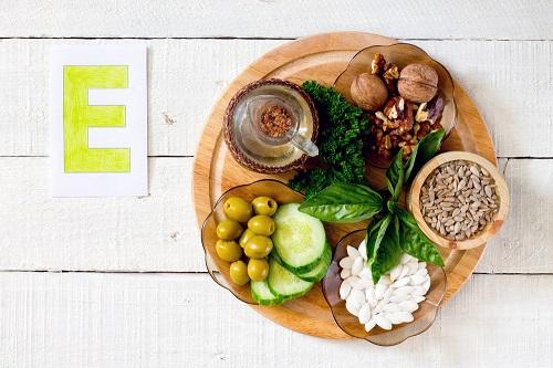 Sau khi lăn kim nên ăn gì và kiêng ăn gì để giúp da nhanh hồi phục 4