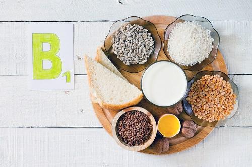Sau khi lăn kim nên ăn gì và kiêng ăn gì để giúp da nhanh hồi phục 2