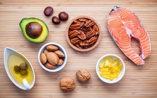 Sau khi lăn kim nên ăn gì và kiêng ăn gì để giúp da nhanh hồi phục 6
